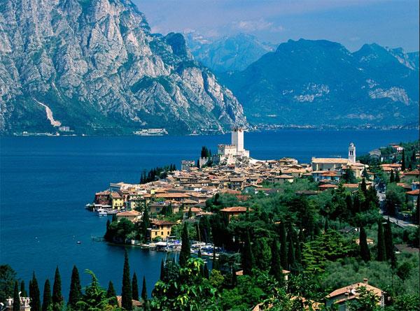 самое большое озеро в Италии – Гарда